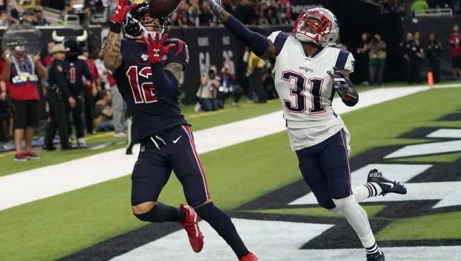 Watson throws 3 TDs, catches another; Texans top Pats 28-22
