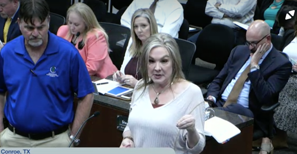 Renowned businesslady, musician Glenn urges Conroe City Council to delay street vendor ordinance to promote free market competition