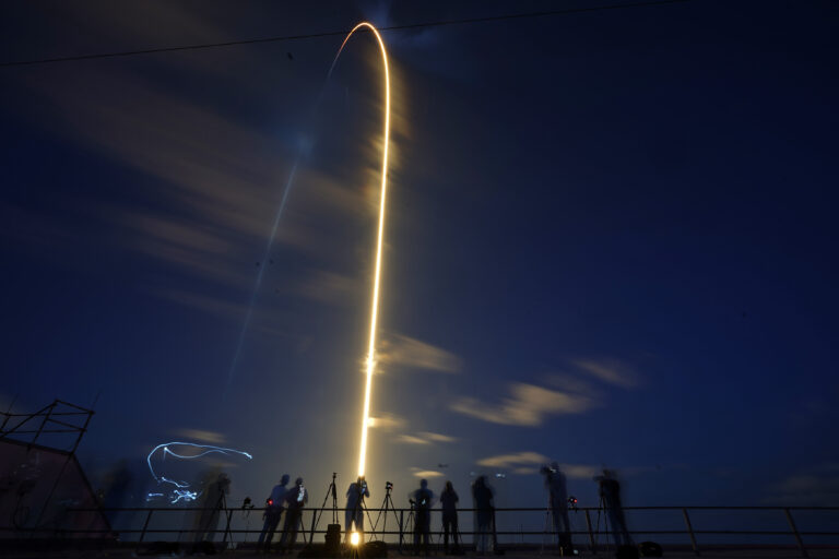 BREAKING NEWS! In great leap for private enterprise, SpaceX launches 4 amateurs on Earth-circling trip